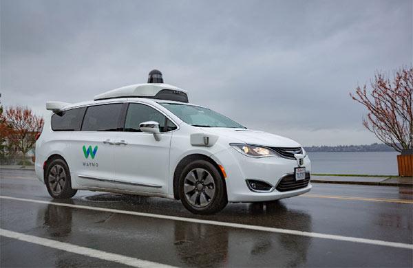 Le self-driving car Waymo e la pioggia del Florida